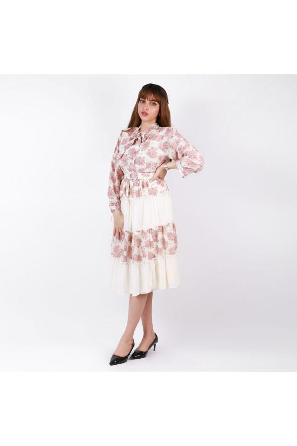 فستان ميدي بقصة واسعة وطبعات زهور