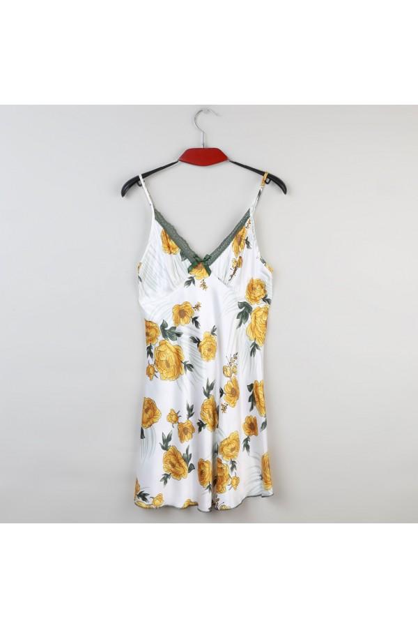 قميص ساتان بحملات رفيعة وطبعات زهور