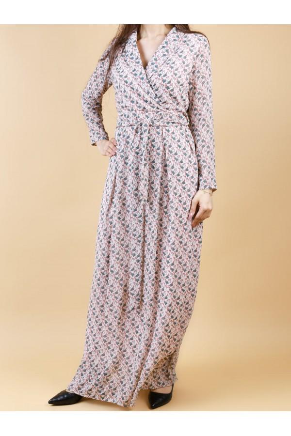 فستان لف بحزام حول الخصر وأكمام طويلة