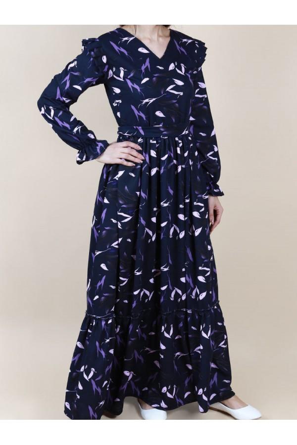 فستان طويل مزخرف بياقة