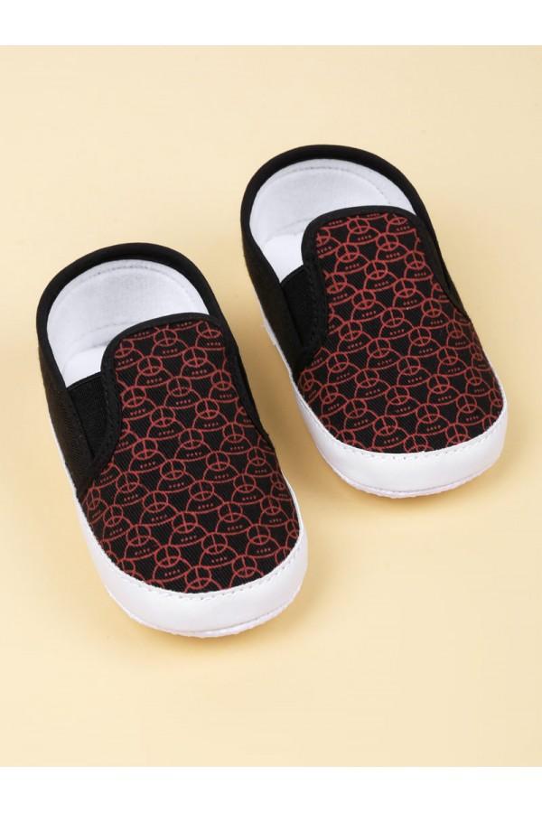 حذاء مزخرف سهل الارتداء