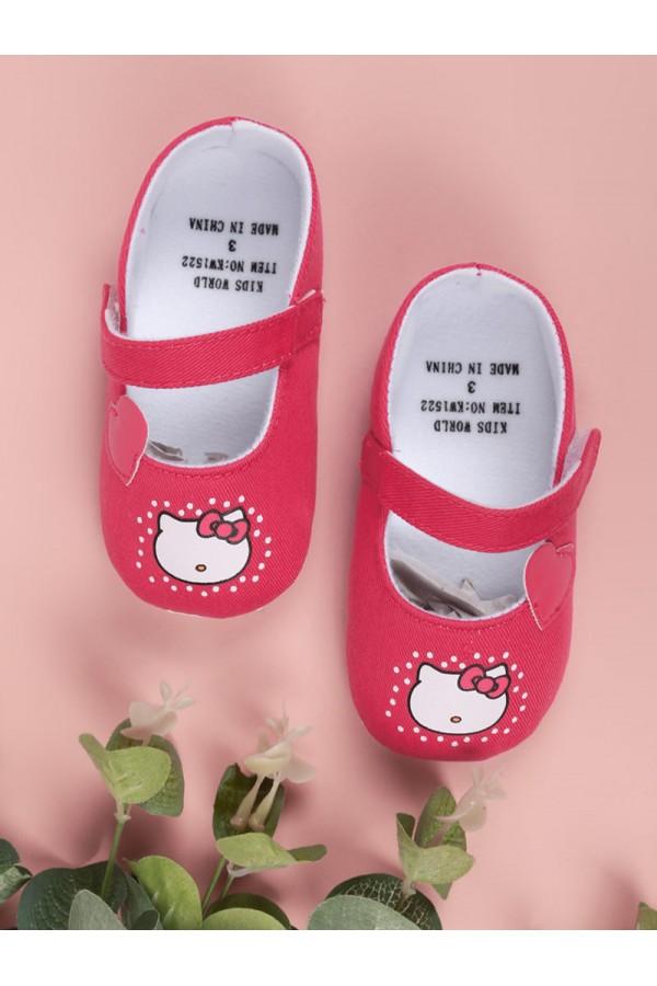 حذاء مواليد مزين بطباعة هالو كاتي