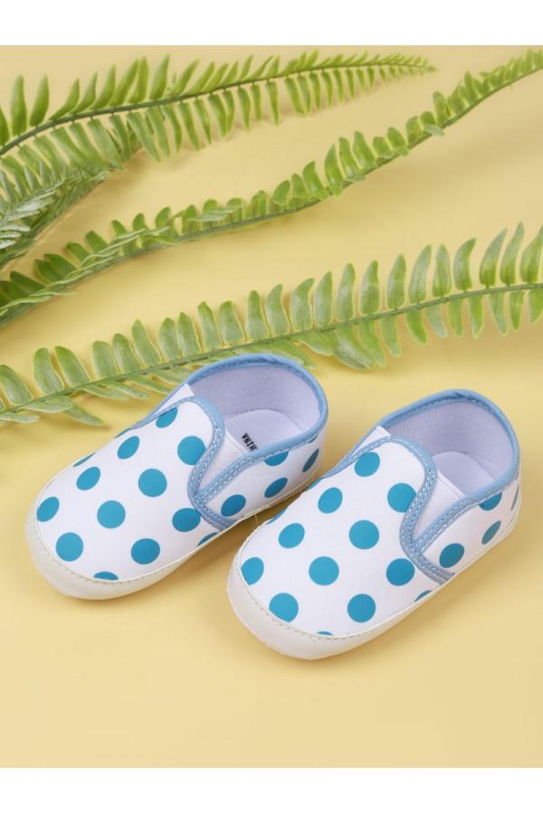 حذاء سهل الارتداء بطبعات منقطة