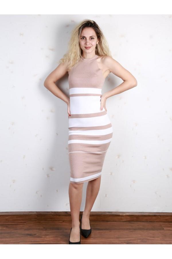 فستان مخطط بقصة ضيقة دون أكمام