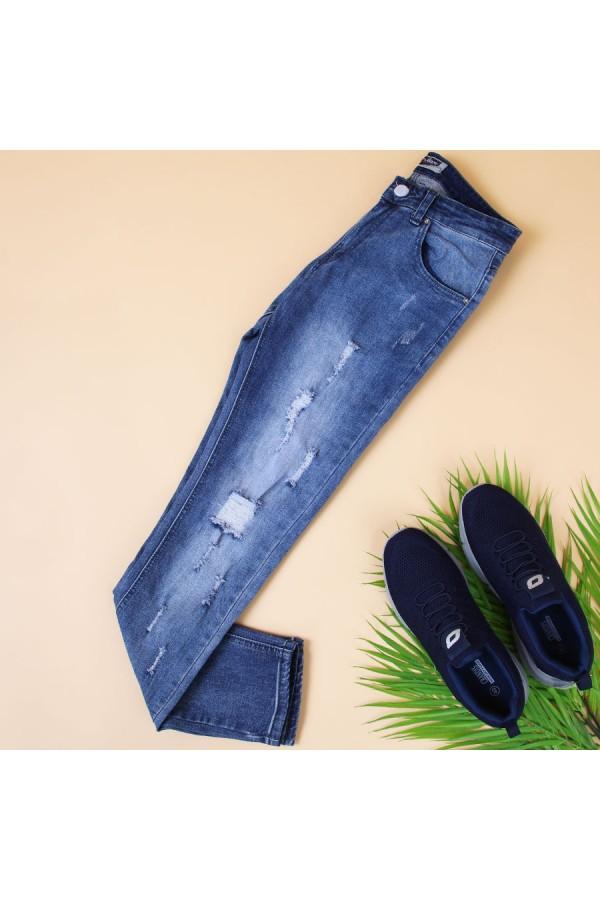 بنطلون جينز ممزّق بجيوب وحلقات للحزام