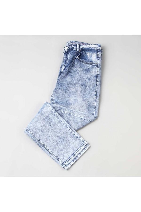بنطلون جينز بخصر متوسّط الارتفاع مضلّع مع جيوب