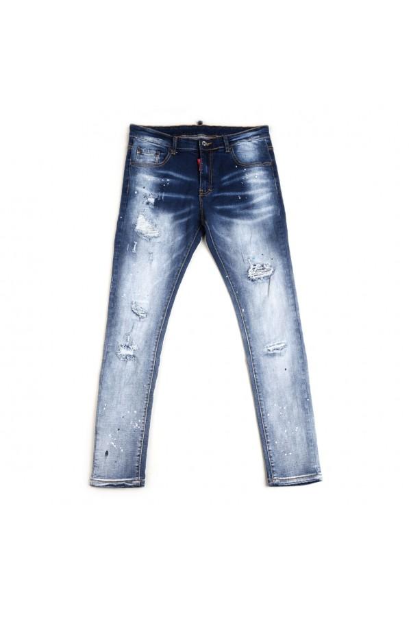 بنطلون جينز ممزق مزخرف بطبعات مموهة